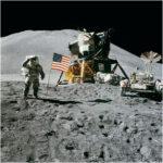 بخش صعود آپولو 11 هنوز در حال گردش به دور ماه است!!